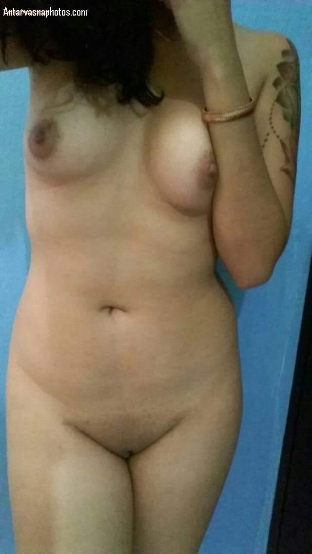 Sexy Indian College Girls - Sexy indian college girl ki nude masti leti selfie photos